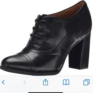 Nine West Black Lace Up Oxford Stacked Heel 10